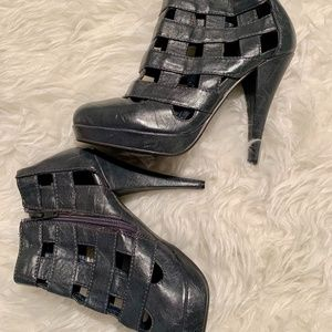 Forever 21 Cage Black/Grey Booties w/Heel Size 8